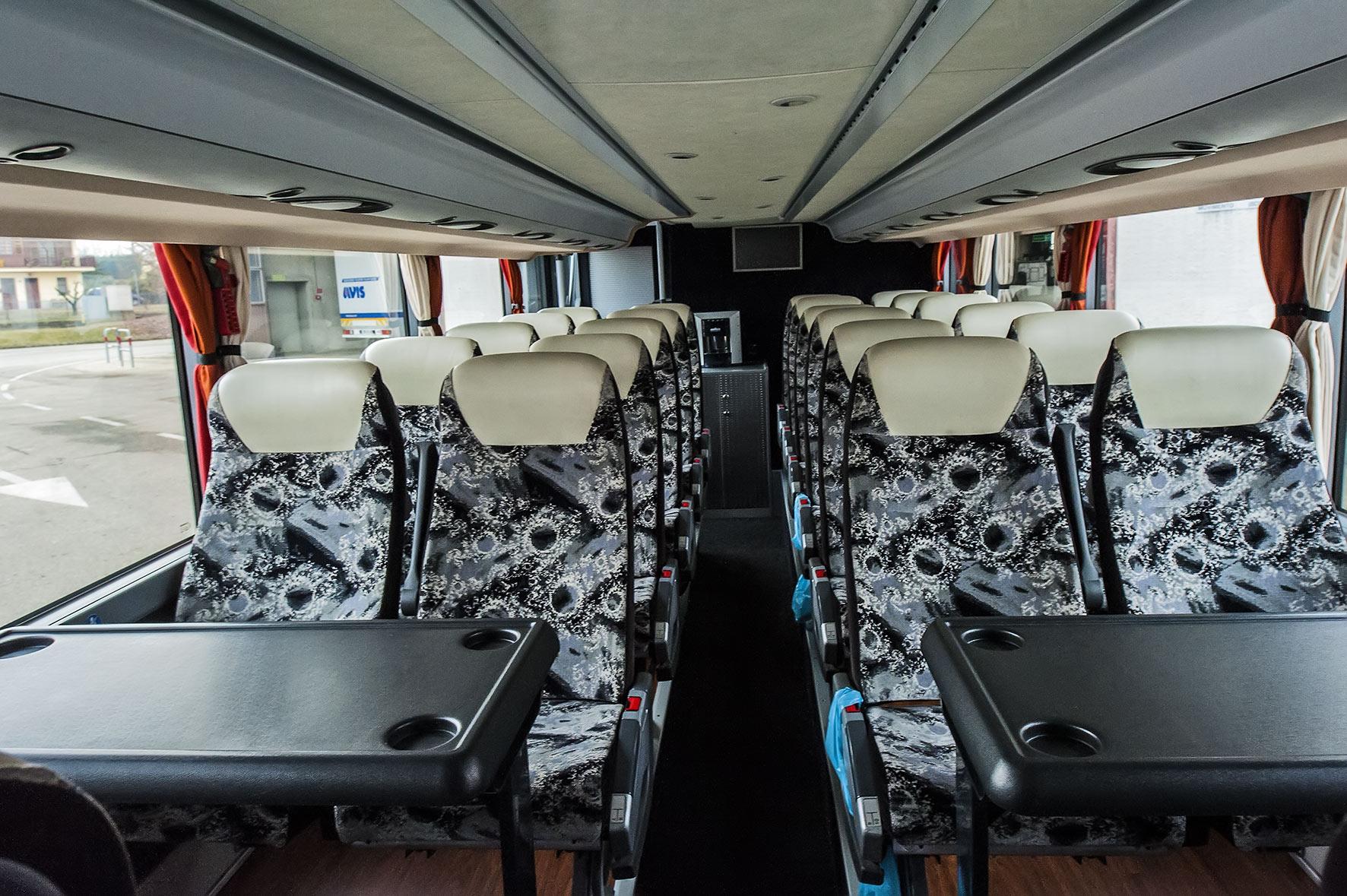 Interni bus per noleggio turistico