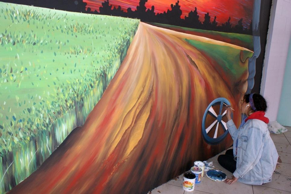 creazione di uno dei dieci murales del Movicentro