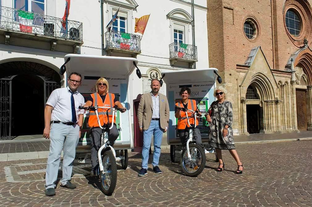 """la presentazione dei """"T-Riciclo"""" in piazza San Secondo"""