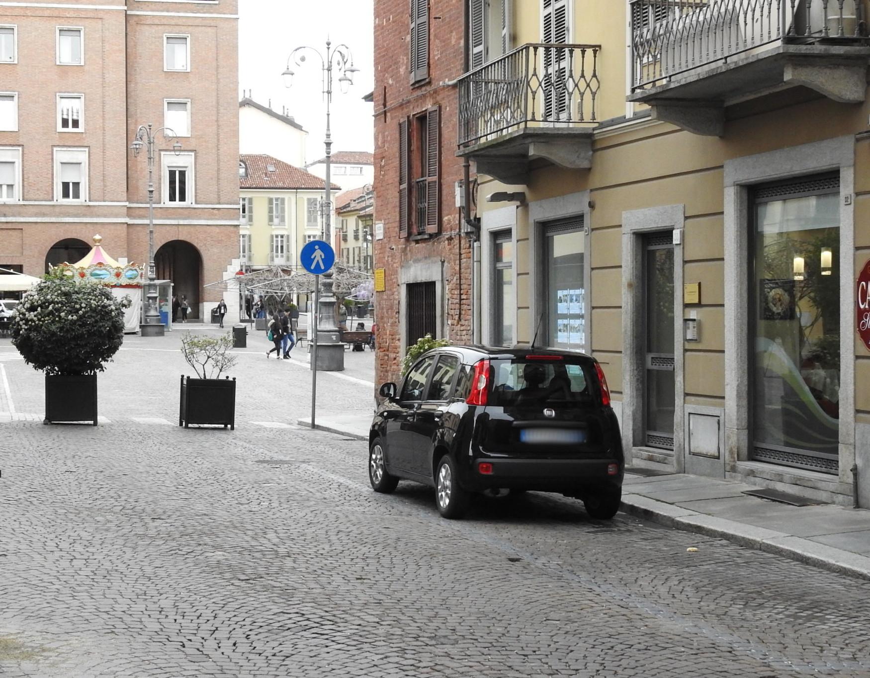 47-parcheggi-periodo-pre-natalizio